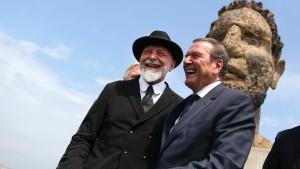 Warum ein Geschenk Gerhard Schröders für Furore sorgt
