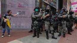 Ausschreitungen zwischen Polizei und Demonstranten