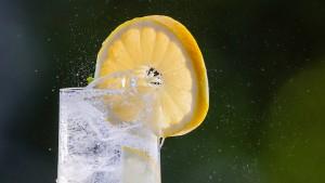 Mann gibt bei Alkoholtest Limonade statt Urin ab