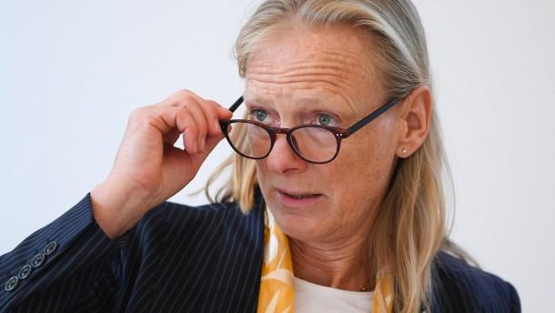 Was Birgitta Wolff mit Angela Merkel verbindet