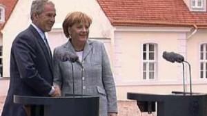 Der Präsident mag nichts bereuen, die Kanzlerin mag nichts bewerten