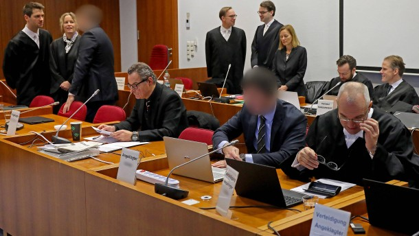 Angeklagter will Millionen Euro an Fiskus zurückzahlen