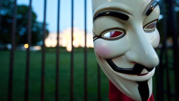Die Maskerade ist vorbei