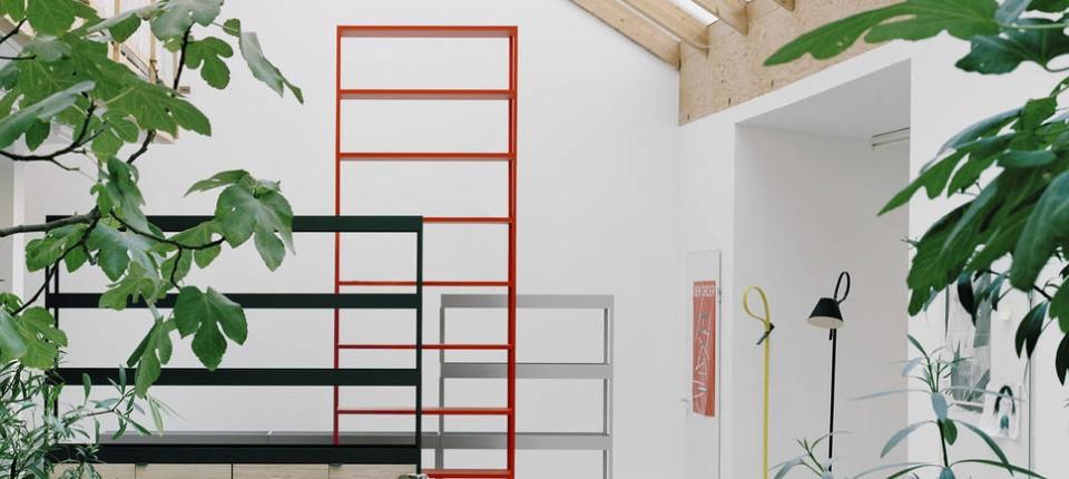 Unaufdringlicher Begleiter: Das Regalsysem New Order (Design Stefan Dietz)  Von Hay