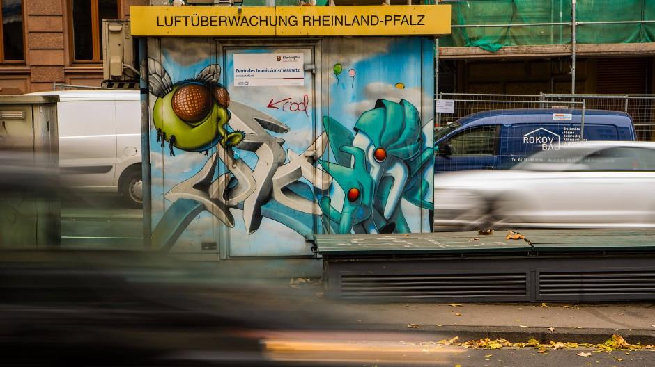 Trotz zu hoher Werte: Ein Fahrverbot ist in Mainz nicht vorgesehen – vorerst.