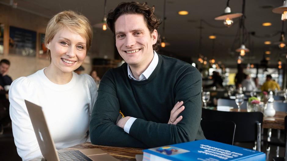 Dorota und Philipp Kisker bieten eine Videosprechstunde für Patienten an.