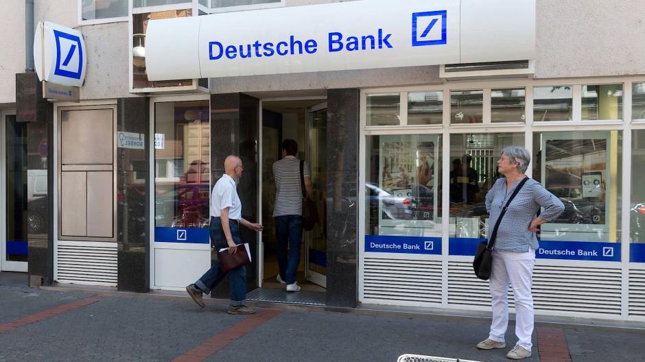 Auch diese Filiale der Deutschen Bank wird geschlossen.