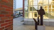 Hier entsteht der Lesestoff für kluge Köpfe: Redaktions- und Verlagsgebäude der Frankfurter Allgemeinen Zeitung