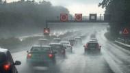In Südfrankreich mussten Autobahnen gesperrt werden (Symbolbild).