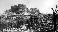 Bild der Zerstörung: die Klosteranlage Montecassino am Tag der Eroberung durch die alliierten Streitkräfte im Mai 1944