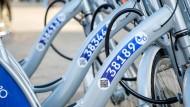 """Rahmenvereinbarung: Bald wird es in Wiesbaden mehr Leihräder geben als die 150 von """"nextbike""""."""