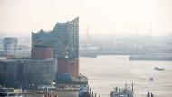Wohnen im Wahrzeichen: Die Elbphilharmonie bietet auch Apartments.