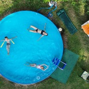 Die Nachfrage nach Swimmingpools ist in diesem Sommer außergewöhnlich hoch.
