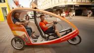 Schnell, kostenlos und vor allem umweltfreundlich: Wiesbaden setzt auf Velotaxis.