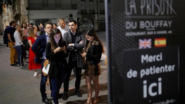 Restaurant in Frankreich öffnet eine Minute nach Mitternacht