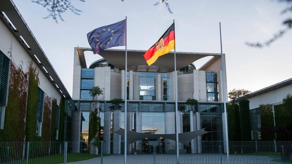Zentrum der Macht: das Bundeskanzleramt in Berlin