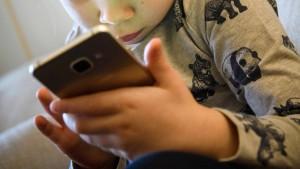 Apple und Google entfernen Dating-Apps