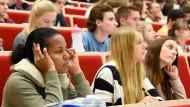 Sollen wir da morgen überhaupt nochmal hingehen? Vielen Studenten schwirren anscheinend solche Gedanken durch den Kopf.