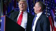 Stand by your man: Trump und Priebus auf der Party in der Wahlnacht.