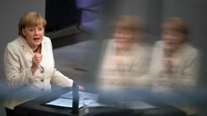 Steinbrück kritisiert Merkel wegen Jugendarbeitslosigkeit