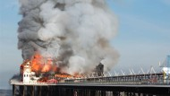 Feuer zerstört historisches Holzpier