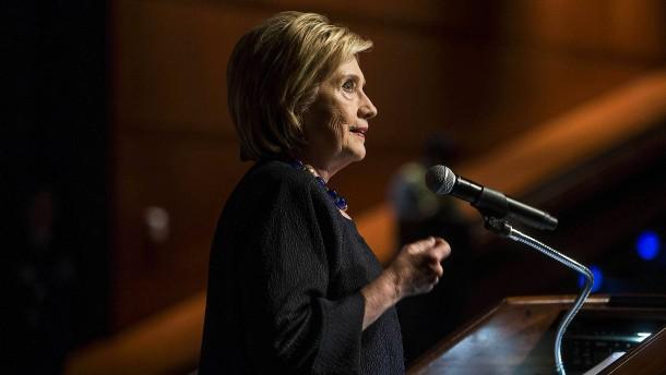 Weitere Untersuchung zu Clintons E-Mail-Affäre