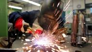 Nachwuchskräfte, die eine Ausbildung in der Industrie machen wollen.