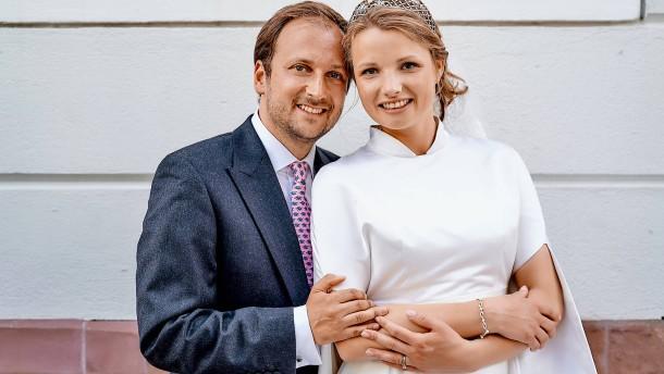 Elena von Metzler und Vincent Steigenberger sagen Ja