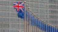 Ökonomen warnen vor dem wirtschaftlichen Schaden eines Brexit.