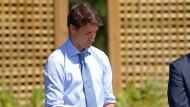 """Er werde sicherstellen, """"dass ein solches Fehlverhalten nie wieder vorkommt"""", sagte Premierminister Justin Trudeau am Mittwoch im kanadischen Ontario zu seiner Korruptionsrüge durch das Parlament."""