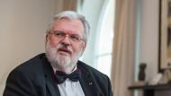 """""""Ich bin Spezialist für David-gegen-Goliath-Fälle, ich mag es gerne spannend"""", sagt Rechtsanwalt Wolf-Rüdiger Bub, der 1981 seine Kanzlei in München gegründet hat."""
