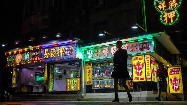 Das Kasino an Pekings Tropf