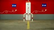 Steckdose gesucht: Wie in dieser Tiefgarage in München entstehen in Deutschland immer mehr Lademöglichkeiten für Elektrofahrzeuge.