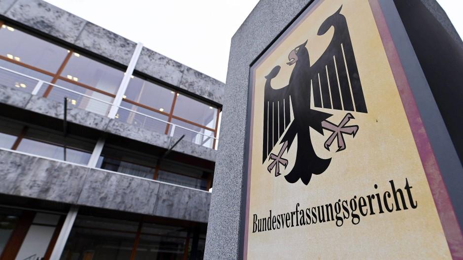 Schon zum zweiten Mal muss sich das Bundesverfassungsgericht mit dem EU-Einheitspatent beschäftigen.