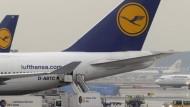 Lufthansa-Maschinen bleiben am Boden