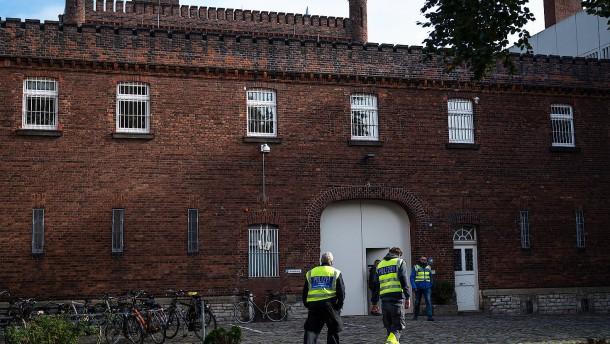 Täter stirbt bei Polizeieinsatz