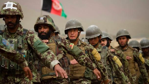 Sicherheitskräfte greifen Isaf-Soldaten an