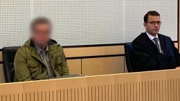 Lebenslange Haft: Ehemann tötet Frau mit Axt und Auto