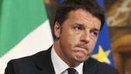 Unsichere Zeiten für Matteo Renzi: Die Risikoprämien für italienische Staatsanleihen steigen an.
