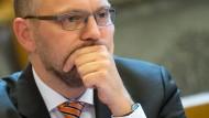 Effektive Fahndung oder Einhaltung der Persönlichkeitsrechte? Kritik an Hamburgs Justizsenator Steffen