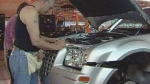 Daimler verkauft Chrysler und legt kräftig drauf
