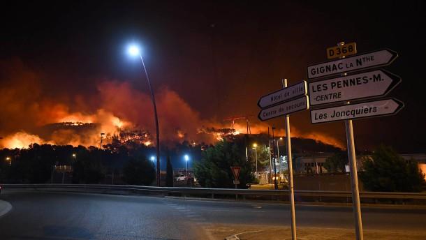 Flammenmeer richtet schwere Schäden in Südfrankreich an