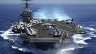 """Deutliche Machtdemonstration: der amerikanische Flugzeugträger """"USS Carl Vinson"""""""