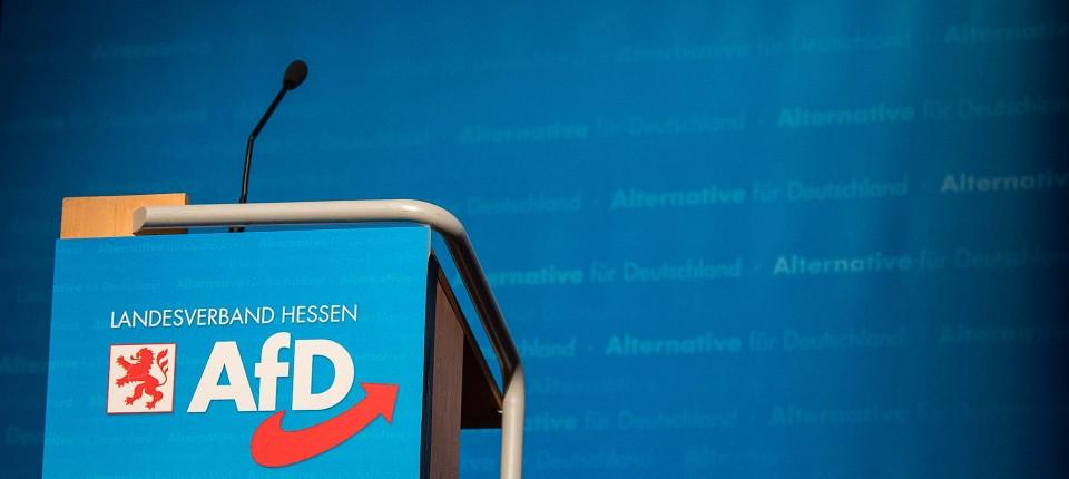 Die AfD beklagt die häufigen Angriffe auf Parteimitglieder und Helfer während des Wahlkampfs in Hessen.
