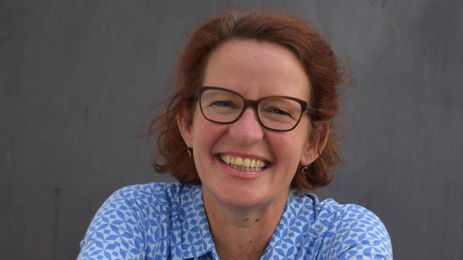 Erzählt eine Sonntagsgeschichte: Bevor Margit Auer Kinderbuchautorin wurde, arbeitete sie als Journalistin für verschiedene bayerische Zeitungen.
