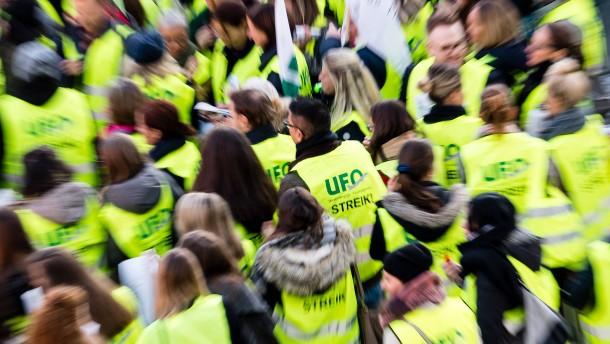 Ufo droht Lufthansa mit jederzeit möglichen Streiks