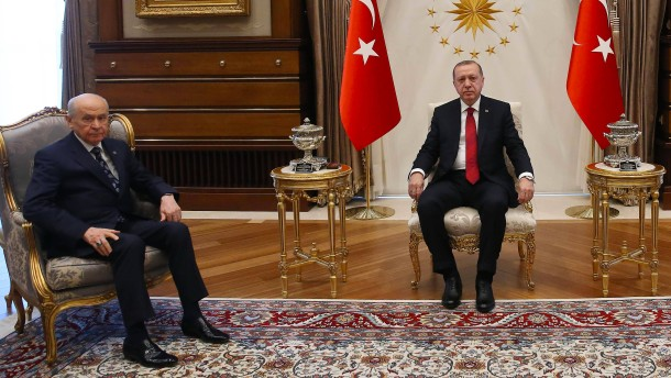 Türkei: Erdogan kündigt Neuwahlen für den 24. Juni an