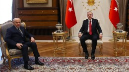 Erdogan kündigt Neuwahlen für Juni an