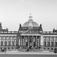 Im Reichstag rumort es: Welchen Einfluss werden radikale Kräfte hier erlangen können? (Archivbild aus den 1930er Jahren).