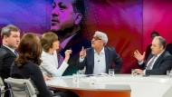 Aydan Özoguz, Markus Söder, Maybrit Illner, Mithat Sancar, Mustafa Yeneroglu, Yahya Kilicaslan (v.l.), in der Sendung vom 02.03.2017